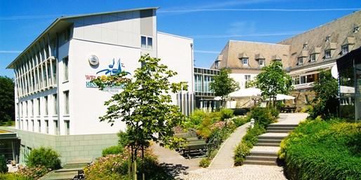 89 € -- Sauerland-Urlaub mit Seeblick & Dinner, 43% sparen