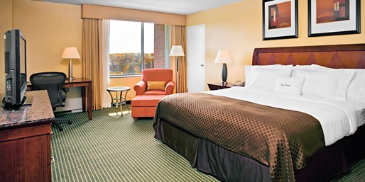 $129 -- Syracuse, NY Hotel incl. Dining Credit, Half Off
