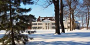 $179  -- Niagara-on-the-Lake Mansion Escape w/Meals