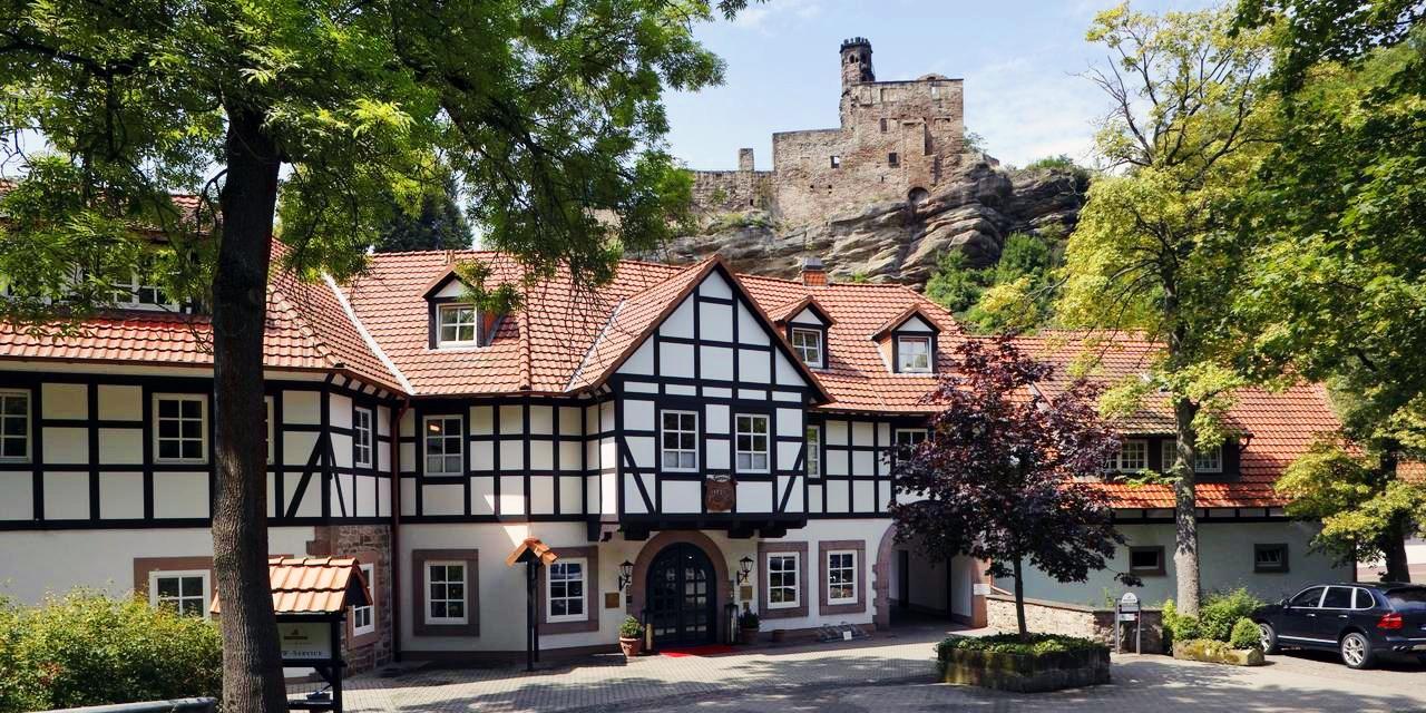 199€ – Luxuriöse Landpartie im Burghotel mit Menüs, -36% -- Nörten-Hardenberg
