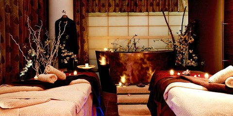 £220 -- Luxurious Chelsea Spa Day inc 5 Treatments & Lunch