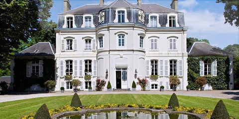 119€ -- Château Hôtel, Nuit & Petit déjeuner à -45%