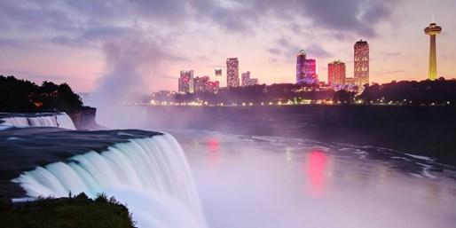 $41-$48 -- Niagara Falls Hotel Stay w/$200 in Extras