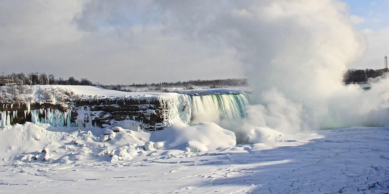 $106 – Loaded Niagara Falls Package w/Winery Passes, 75% Off -- Niagara Falls, Canada