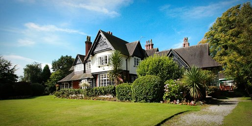 £99 -- Cheshire Country-House Retreat w/Meals, Reg £174.90