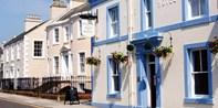 152€ -- Escocia: 2 noches y desayuno en pueblo costero, -51%