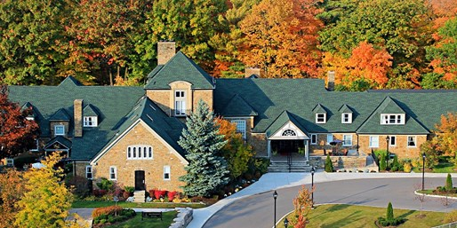 $99 -- Toronto Area Inn w/Breakfast & Spa Credit, Reg. $220