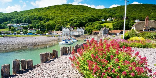 £35 -- Exmoor Coast: 3-Course Meal & Bubbly for 2, 51% Off