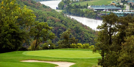 $29 -- Grand View Golf w/Lunch through October, over 50% Off