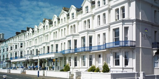 £69 -- Seaside Eastbourne Hotel w/2-Course Dinner, Save 35%