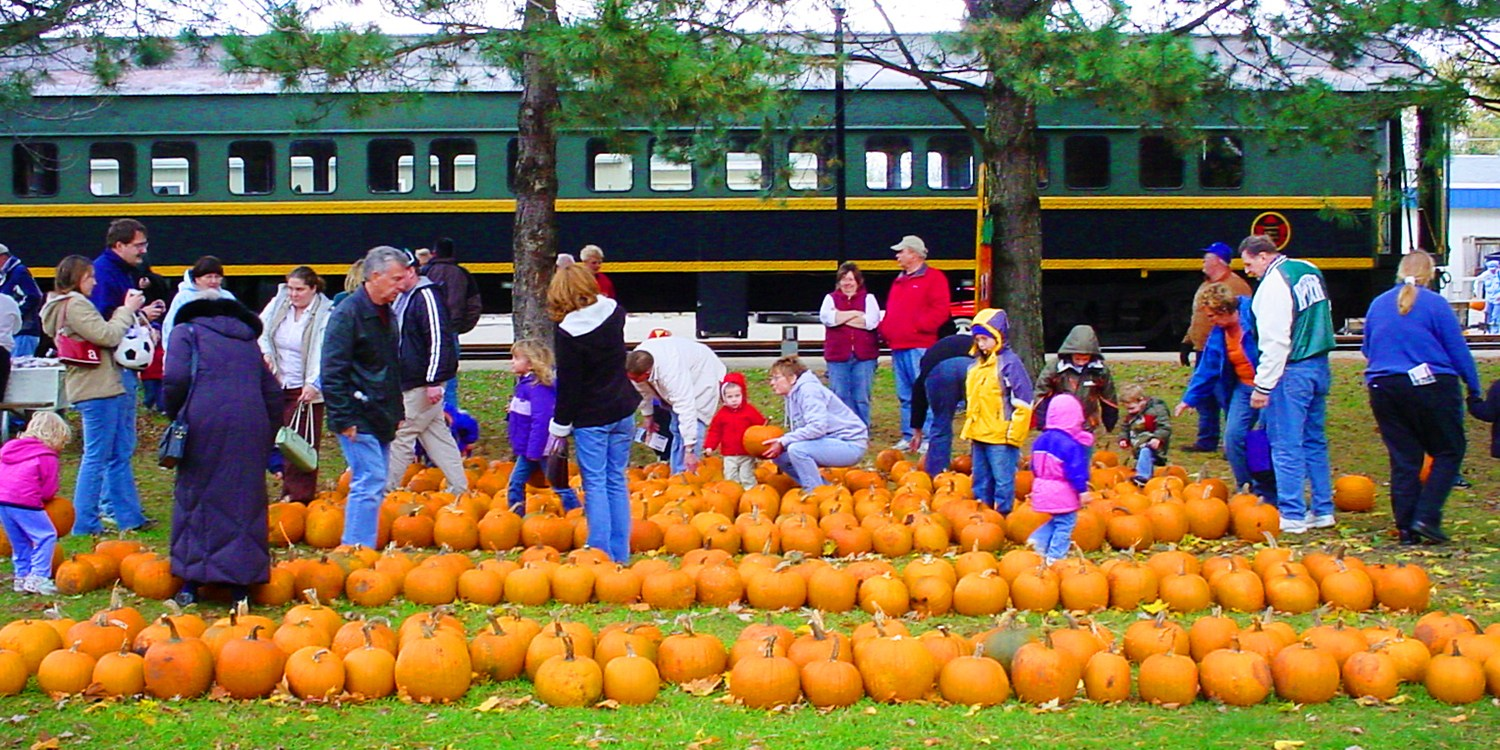 $15.50 -- Coopersville & Marne Railway: Famous Pumpkin Ride