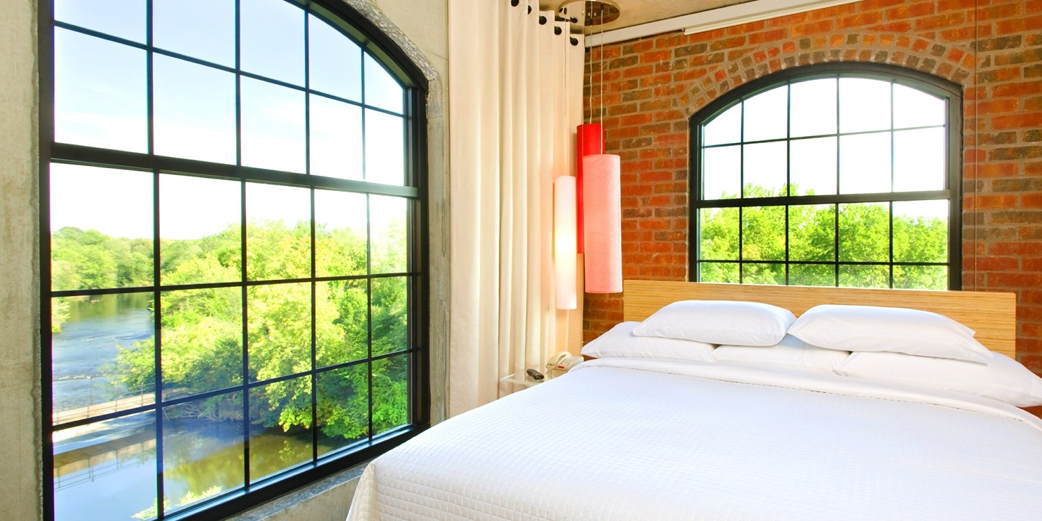 Travelzoo Deal: $99 -- Chic Hotel near Providence w/$20 Credit thru October