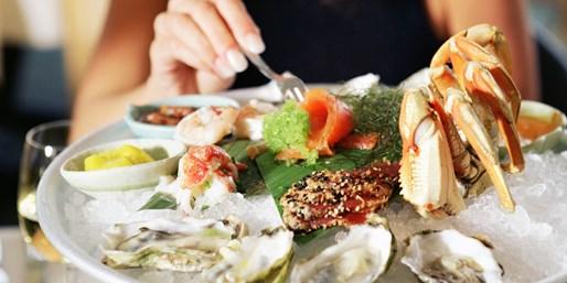 39€ -- Hilton: Großes Fischbuffet & Winzersekt in Düsseldorf