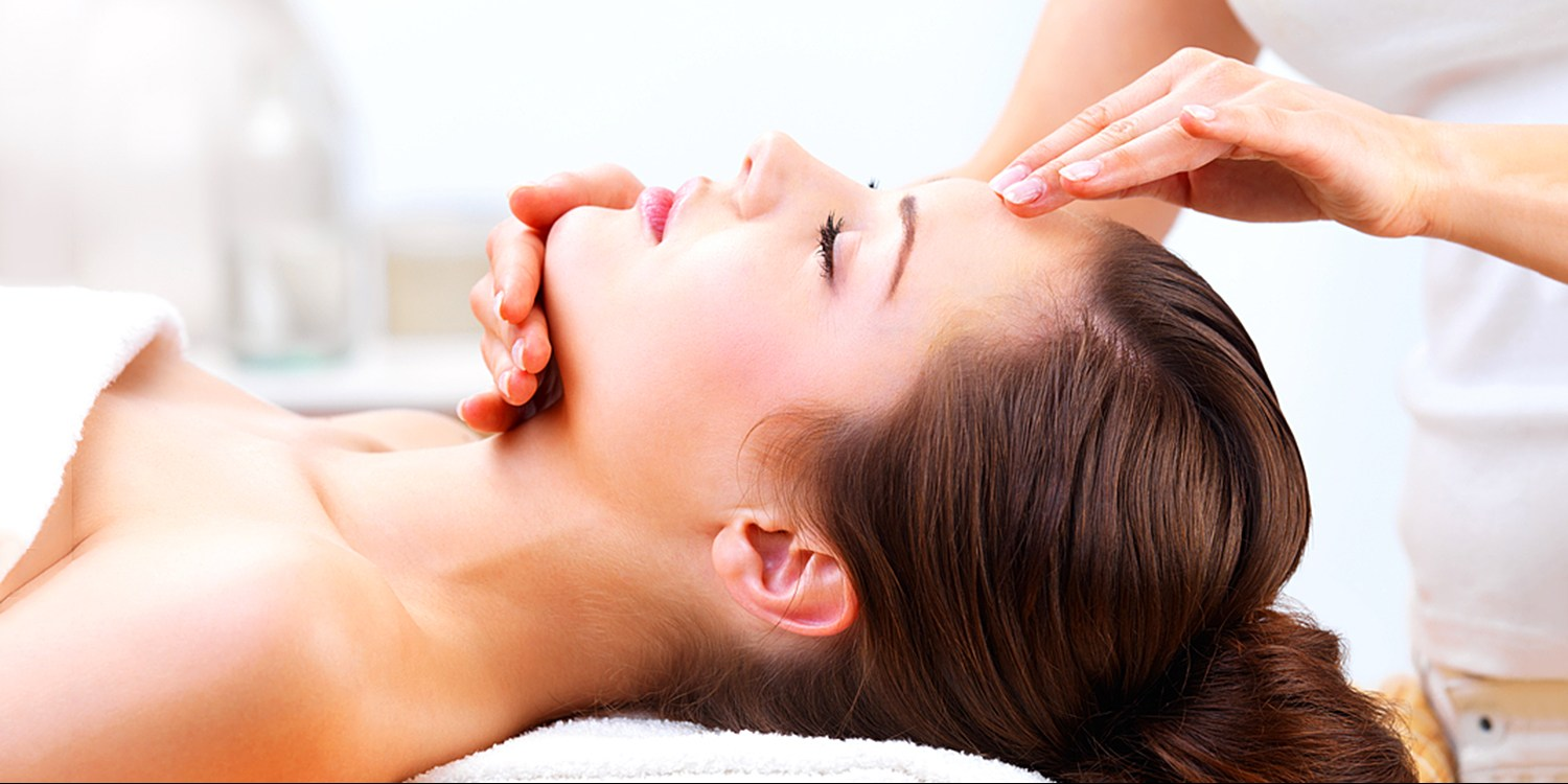 $55 -- Acclaimed Lincoln Park Spa: Any Service up to $100
