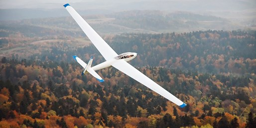 £39 -- Hands-on 20-Minute Gliding Experience inc 2 Flights