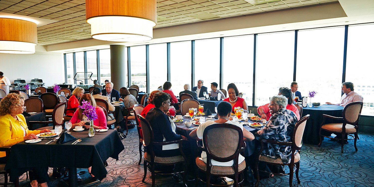 $40 -- Private Crescent Club: $80 for Dinner w/City Views