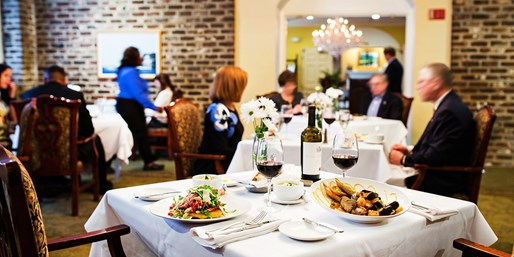 $40 -- Harbour Club: $80 Credit for Dinner near Battery Park