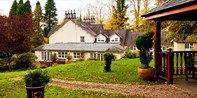 £85 -- Lake District: Windermere Stay w/Cream Tea & Bubbly