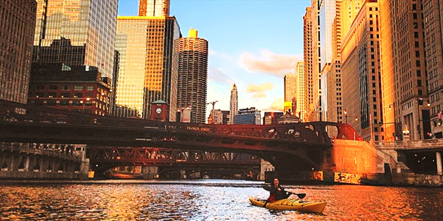 $45 -- Top-Rated Sunset Kayak Tour on the Chicago River