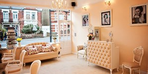 £25 -- Fulham: 60-Min Spa Treat w/Massage & Facial, 64% Off