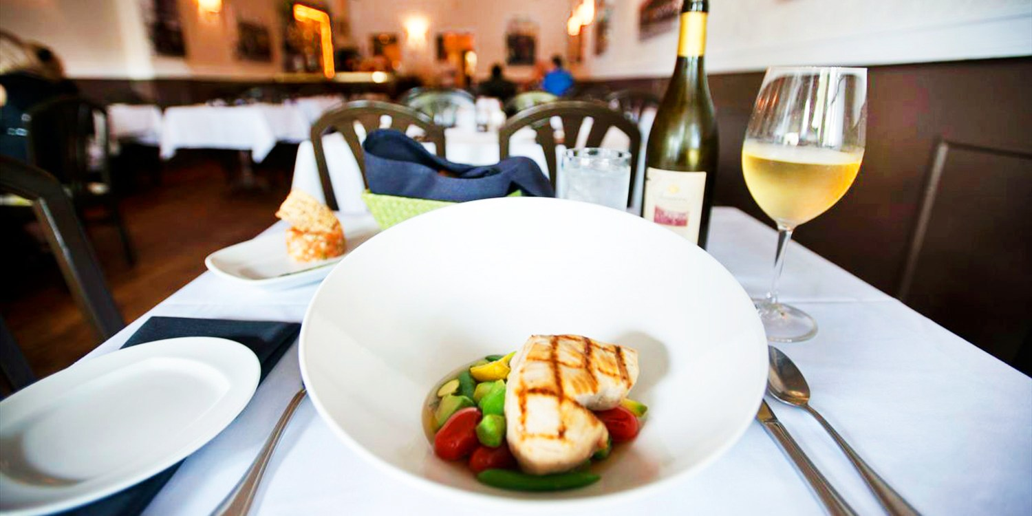 $49 -- Café de France: Dinner for 2 w/Wine, Reg. $102