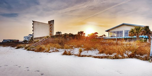 Travelzoo Deal: $79 -- S.C. Pawleys Island Oceanfront Escape, 40% Off