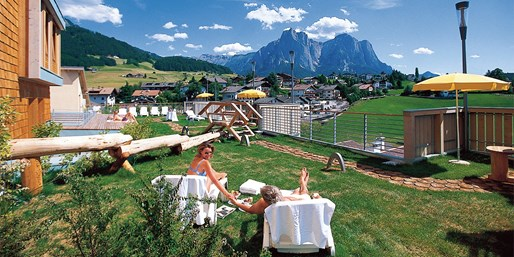 134 € -- Südtirol: Suite-Auszeit in Kastelruth & Menüs, -46%