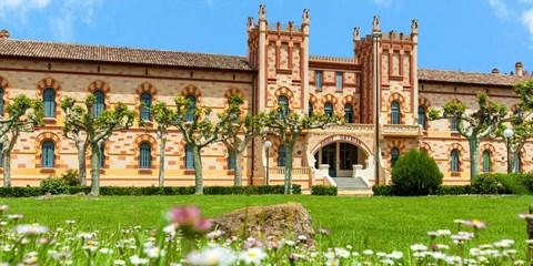Dsd 69€ -- Reconocido hotel balneario cerca Girona, -30%