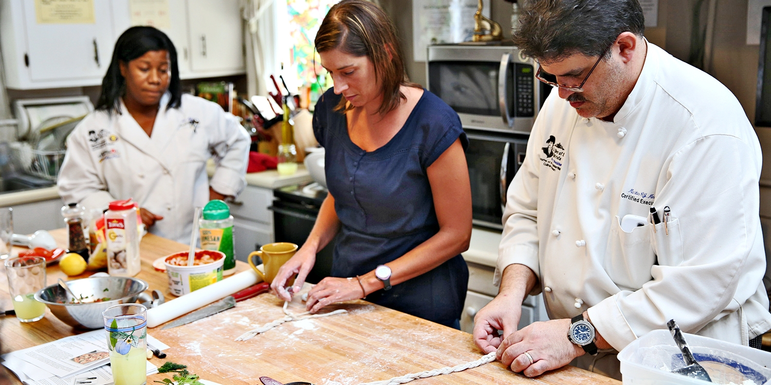 $40 -- White House Chef: Cooking Class w/Lunch, Save 50%