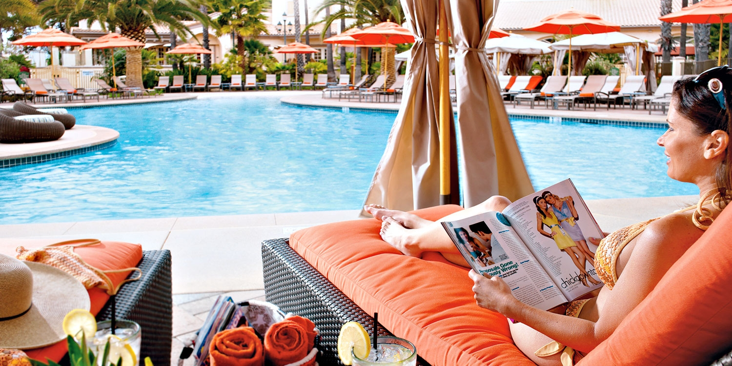 $89 -- Hilton Spa Day w/Bubbly and Pool, Reg. $200