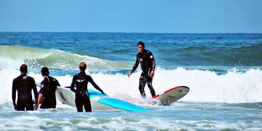 $59 -- Huntington Beach: 2.5-Hour Surfing or SUP Lesson