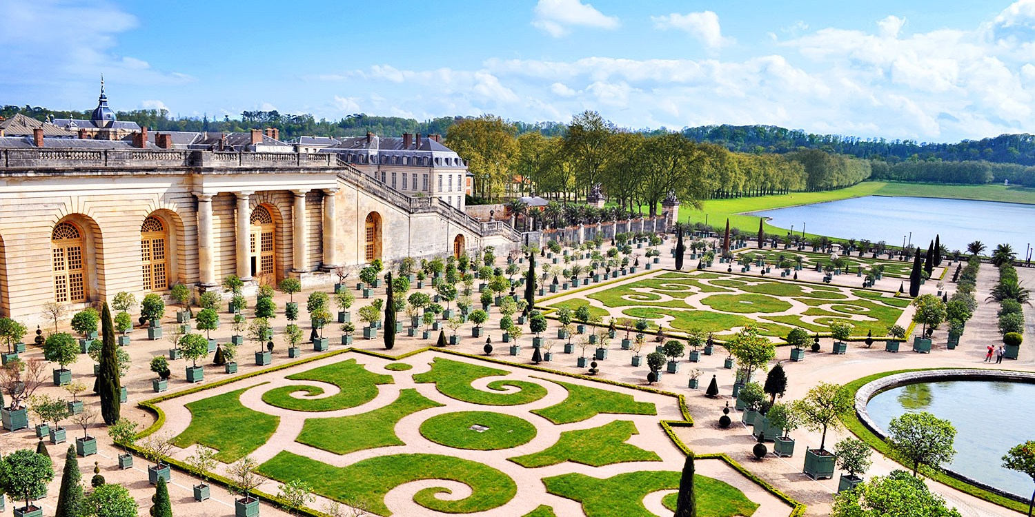 $25 -- Versailles: Day-Long Imperial Palace Bus Tour