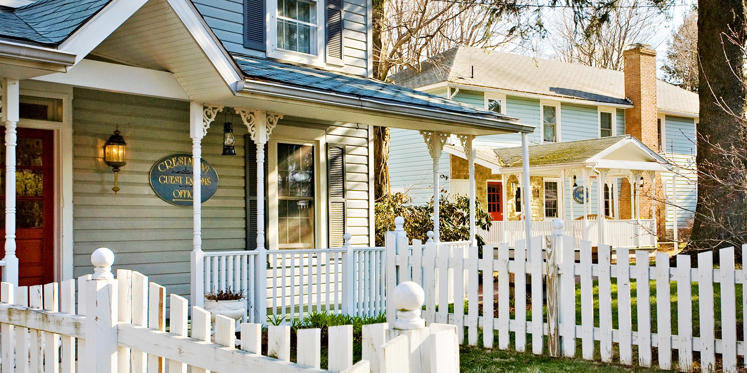 $99 -- Historic B&B Autumn Escape w/Credit, 60% Off