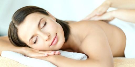 33 € -- Entspannende Rückenmassage beim Heilpraktiker, -45%