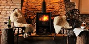 £79 -- 250-Year-Old Herefordshire Inn Stay w/Dinner & Bubbly