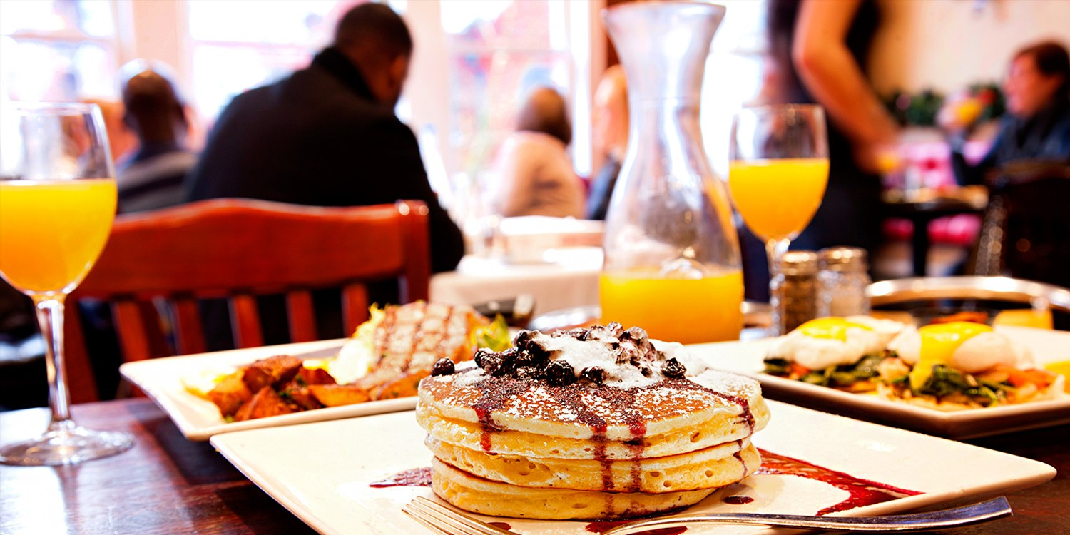 $35 -- Bistro Brunch for 2 w/Unlimited Cocktails, Reg. $60