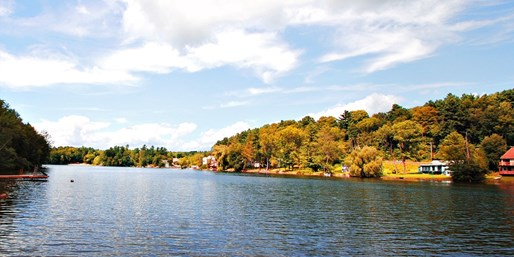 Travelzoo Deal: $95 -- Berkshires Fall Foliage: Lakefront Rooms, 40% Off