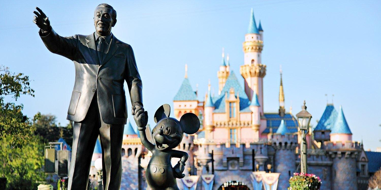 Travelzoo Deal: $795 -- Anaheim: 3-Nt. Home Rental near Disneyland, 60% Off