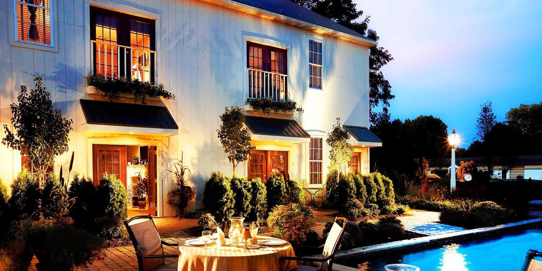 $159 -- Suite at 4-Star Lancaster Inn w/Breakfast, Reg. $255