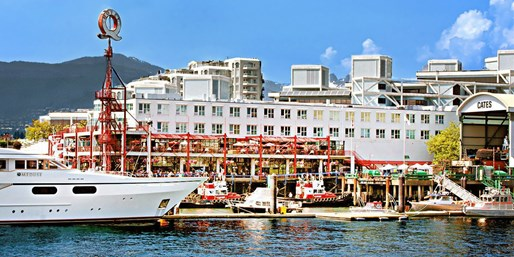 $75 -- North Vancouver Stay w/Breakfast, Save 50%