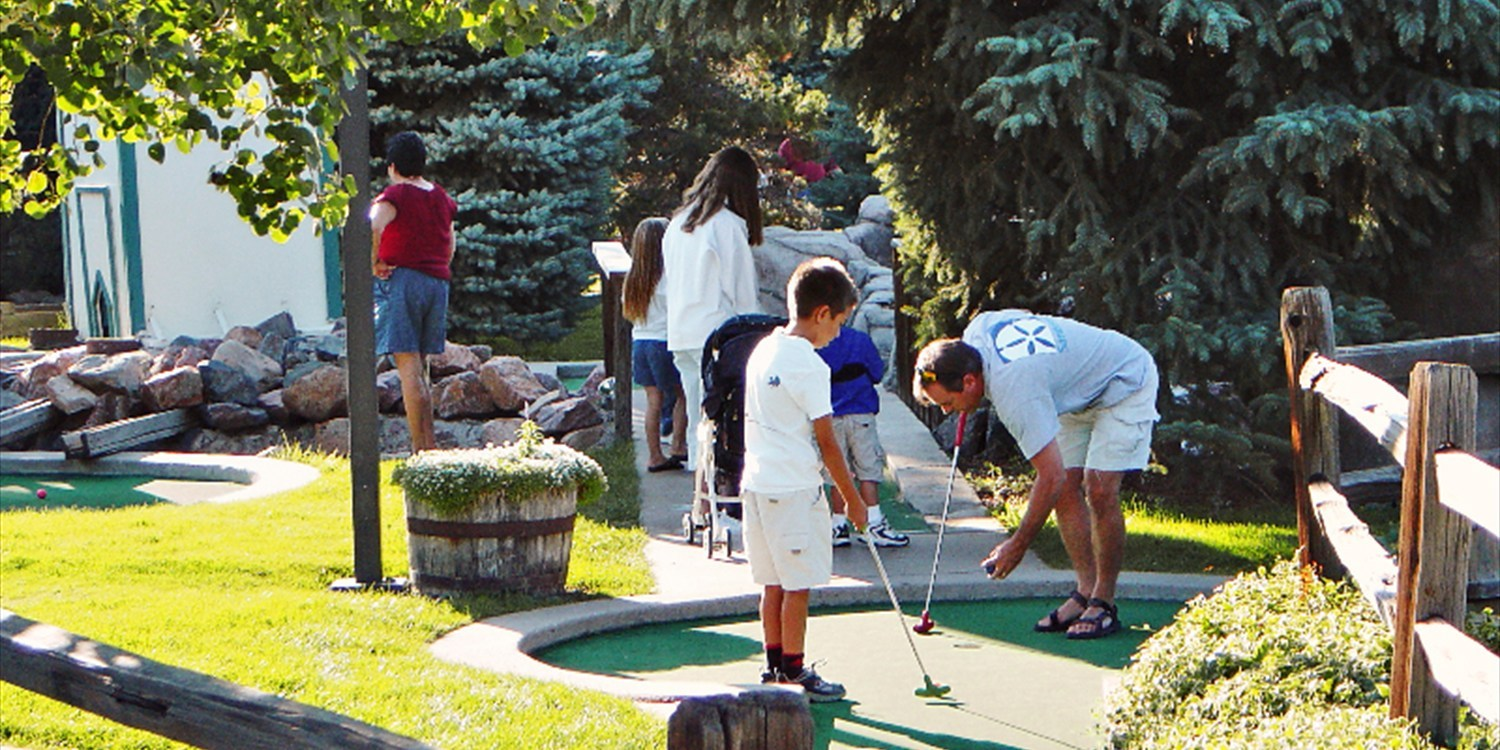 $10 -- Putter's Pride: Unlimited Mini Golf for 2, Reg. $20