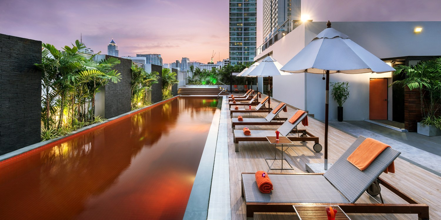 $75 -- Radisson Bangkok Stay w/Upgrade & Cocktail, Half Off