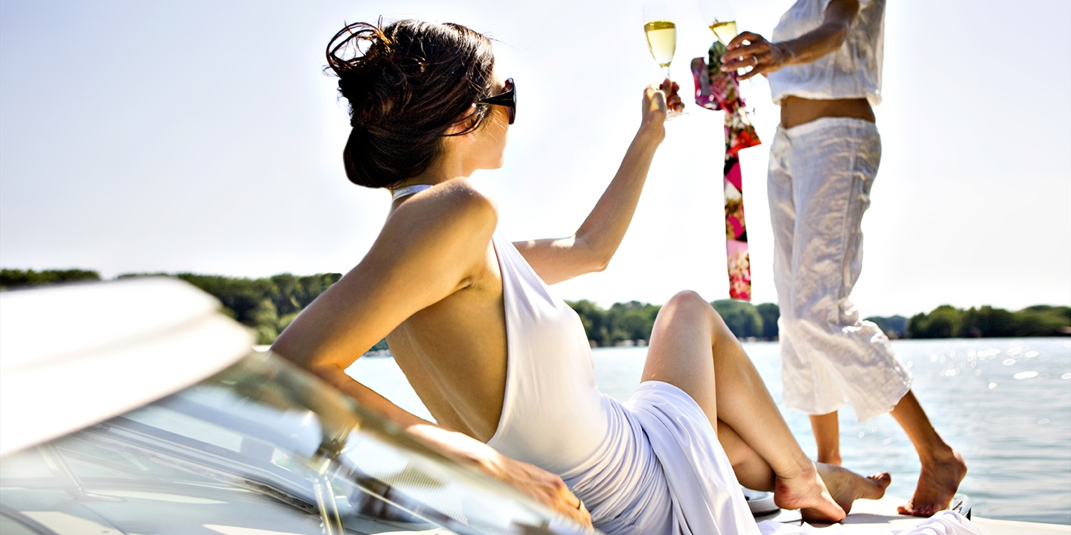 $189 -- Private Boat Cruise for 2 w/Bubbly & Apps, Reg. $300