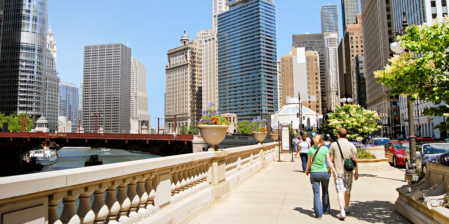 $39 -- Loop Sightseeing Tour w/Drinks & Apps, Half Off