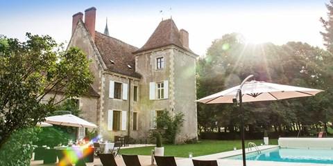 299€ -- Bourgogne : Séjour, dîners & délices au Château