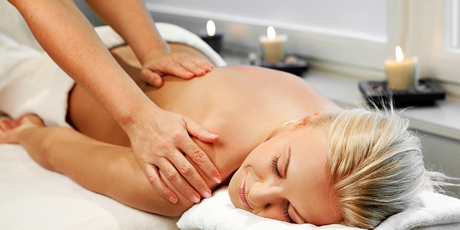Post-Work Relaxation: Massage w/Bubbly in Midtown for $65