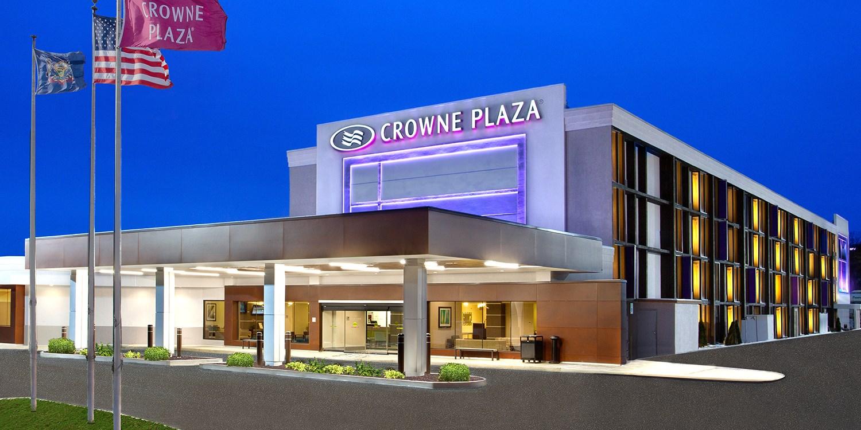 Crowne Plaza Pittsburgh West-Greentree -- Pittsburgh, PA