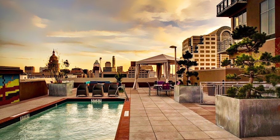 Hampton Inn & Suites Austin at The University / Capitol -- Austin, TX