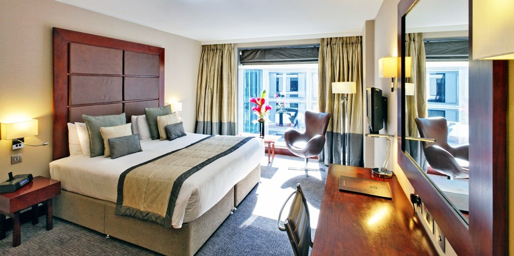 Member Exclusive – London  5-star hotel stay with rooftop bar -- London