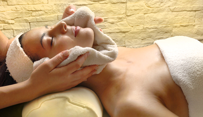 £35 -- Dove Spa Nationwide: 60-Min Massage & Facial, Reg £75
